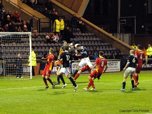 Late action in the Pars box