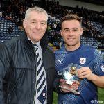 32 Steve MacDonald presents the MotM award to Lewis